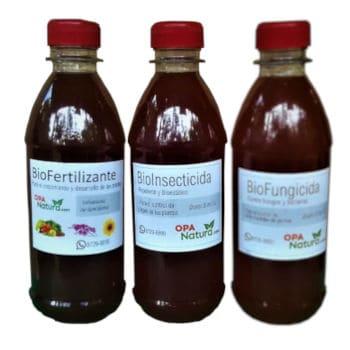 Botellas de biofertilizante, bioinsecticida y biofungicida
